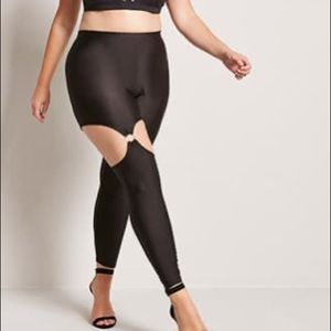 Plus Size O-Ring Garter Leggings new with tags
